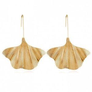 Gold Leaf Simple Drop Earrings